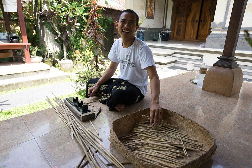 Gitok at work, our master straw maker!