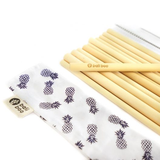 bamboo straws with 2 cleaners and 1 cotton pouch